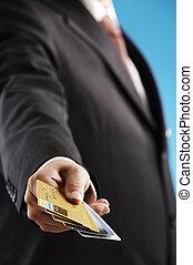 tarjetas, credito, hombre, numeroso, exposición