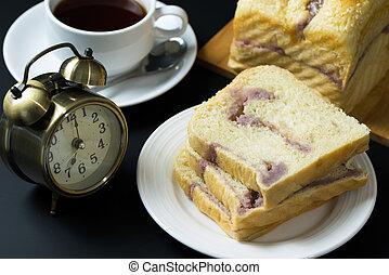 Taro sesame bread