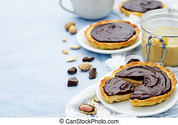 tartlets with peanut butter mousse and chocolate
