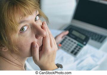taschenrechner, aufwendungen, auf, summe, gebräuche, frau, daheim