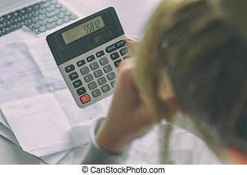 taschenrechner, frau, aufwendungen, summe, gebräuche, daheim, auf