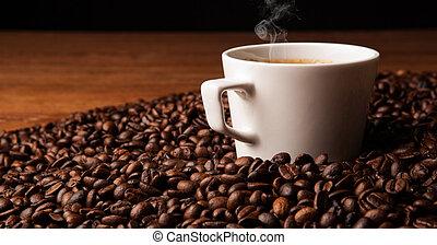 tasse café noir, à, rôti, coffe, haricots