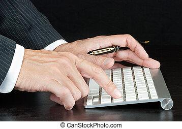 tastatur, geschäftsmann, edv, schiebt, hereinkommen