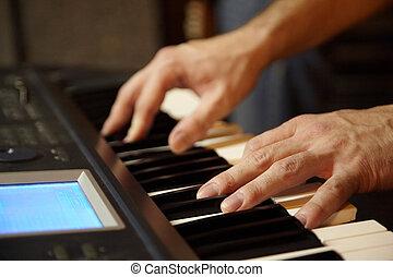 tastaturspieler, spielende , in, studio., hände, von, tastaturspieler