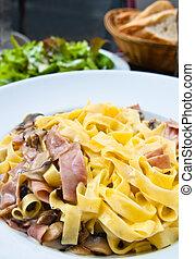 pasta with roast ham