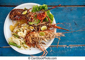 Tasty prepared lobsters and jumbo shrimps