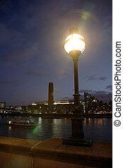 Tate Modern at Night - Tate Modern (the disused power ...