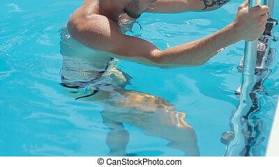 tatouage, baigner, lent, aluminium, échelle, dehors, mouvement, aller, complet, sexy, type, piscine, dehors