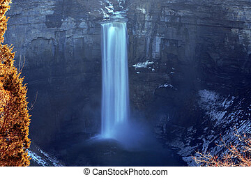 Taughannock Fallsl at Buffalo city, NY, USA - winter grand ...