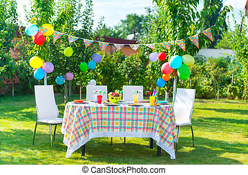 tavola, compleanno, apparecchiato