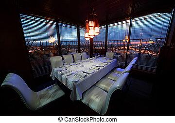 tavola, con, bianco, tovaglia, e, servire, e, bianco, sedie, in, ristorante, notte