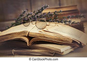 tavola legno, libri, vecchio, aperto