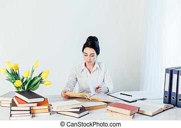 tavola, ufficio, affari, lettura, ragazza, libro