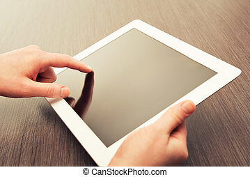 tavoletta, schermo, mani, vuoto, tavola, bianco