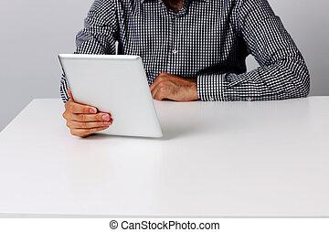 tavoletta, seduta, immagine, computer, presa a terra, tavola, uomo