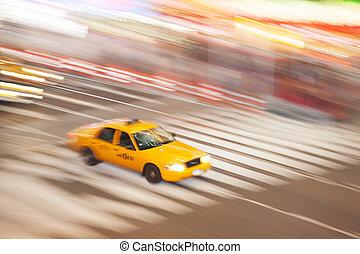 taxi amarillo del taxi, en, tiempos cuadran, ciudad nueva york, nueva york, estados unidos de américa