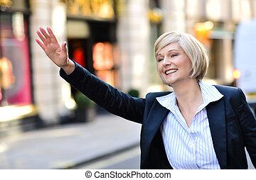 taxi, ella, mujer de negocios, llamada, brazo, levantar