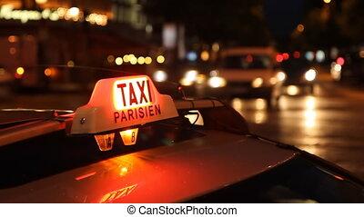 Taxi Parisien. Timelapse.