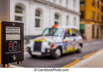 taxi, passage clouté, coloré