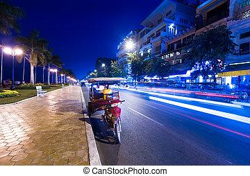 taxifahrzeuge, abend, city., cambodscha, moto, asiatisch,...