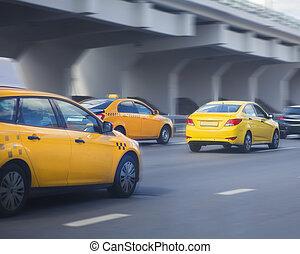 taxifahrzeuge, bewegt, auf, stadt, straße