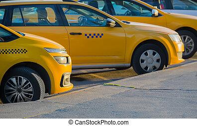 taxifahrzeuge, in, der, parkplatz