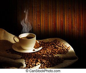 taza humeando del café