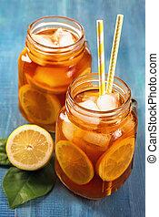 tea, citrom, jégbe hűtött