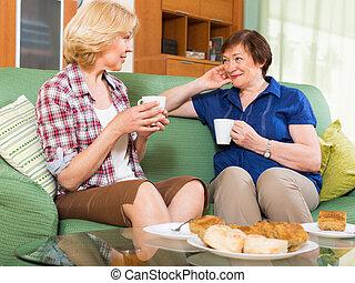 tea, nők, öregedő, asztal