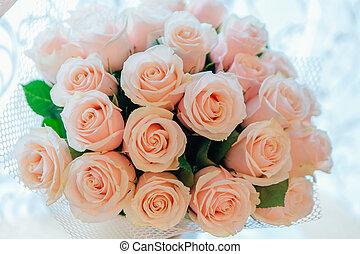 Tea roses bouquet