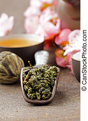 tea set (teapot, cups)