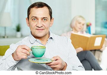 tea, szerető