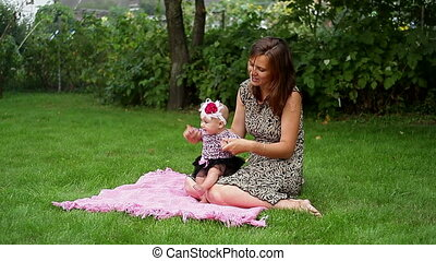 teaches, детка, ходить, мама, ее