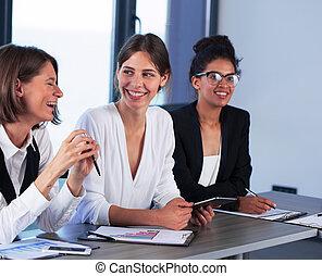 team, van, bedrijfspersoon, werken, samen