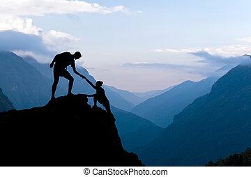 teamwork, par, klättrande, hjälp lämna