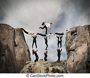 teamwork, pojęcie, z, wyścigi, biznesmen, z, torba