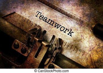 teamwork, text, på, årgång, skrivmaskin