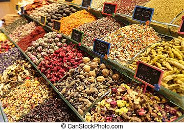 Teas and Spices in Spice Bazaar, Istanbul, Turkey - Teas and...