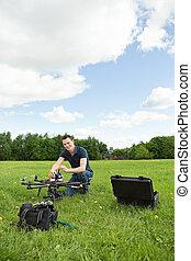 technicien, montage, uav, hélicoptère