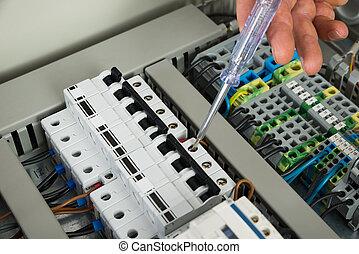 technicien, réparation, fusebox