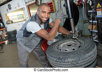 technikus, feltevő, autógumi