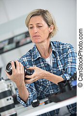 tecnico, femmina, riparare, lense, dslr