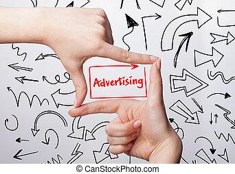 tecnologia, internet, negócio, e, marketing., jovem, mulher negócio, escrita, word:, anunciando