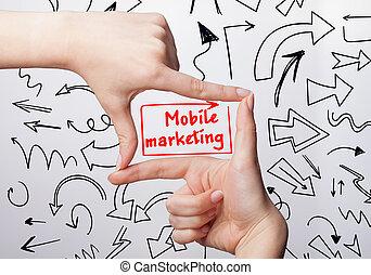 tecnologia, internet, negócio, e, marketing., jovem, mulher negócio, escrita, word:, móvel, marketing