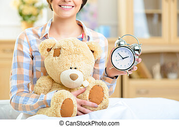 teddy, grand, horloge, bear., tenue, girl