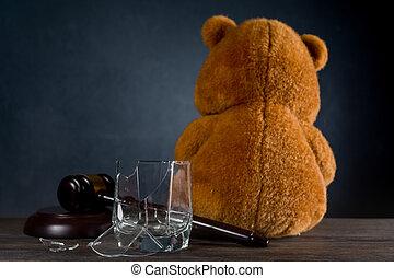 teddy, ou, ours, droits, concept, privation, parental, alcoholism., juge, cassé, verre., marteau, dû, divorce