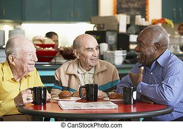 tee, ältere männer, trinken, zusammen