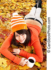 tee., tasse, feuilles, automne, orange, girl