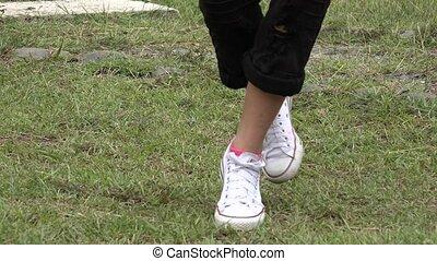 Teenage Girl Hip Hop Footwork - Teenage Girl Hip Hop Dancing...