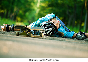 Teenage girl with skateboard - Beautiful teenage girl with...